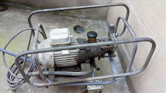 Prodajem pumpu (perač) za pranje