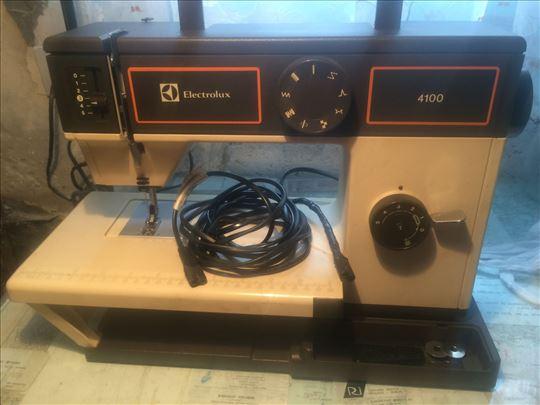 Šivaća mašina Husgvarna 8000 -Elektrolux8100