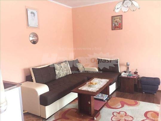 Kuća na prodaju 12ari 250m2 okolina Novog Sada