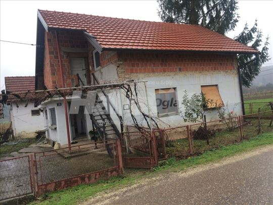Kuća sa okućnicom 50 ari Prijedor/Gaćani