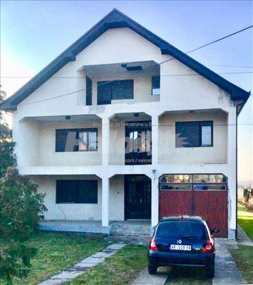 Povoljno prodajem kuću u Topoli u ulici Mike Alasa