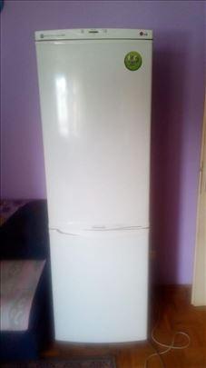 Prodajem LG kombinovani frižider