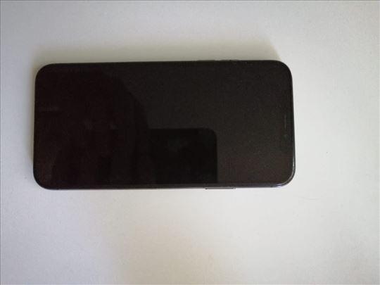 Prodajem iPhone X 64gb