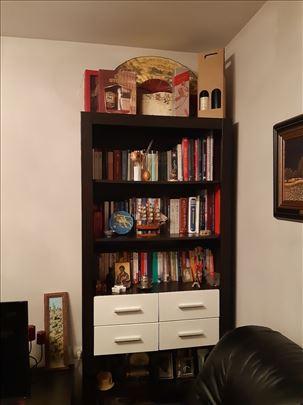 Polovna komoda za TV i biblioteka, kao nova