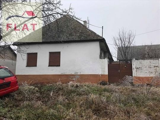 (21) Kuća 130m2 na placu od 801m2 - Apatin