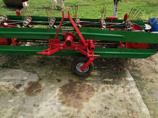 Sakupljač sena za traktor