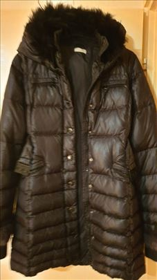 Pinko-duža perjana jakna sa pravim pelcom