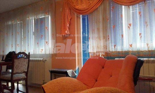 Stanucentru grada +38349599897 viber 54m2 sa teras