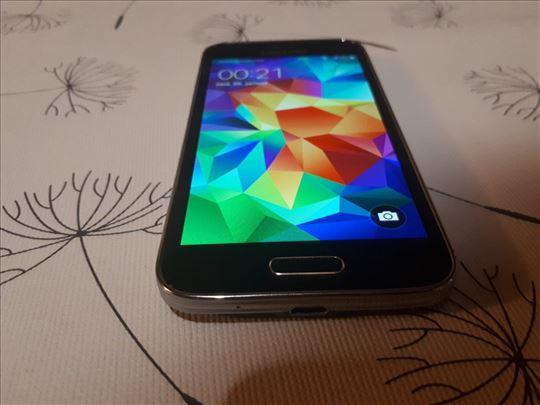 Samsung Galaxy S5 G800F solidno ocuvan
