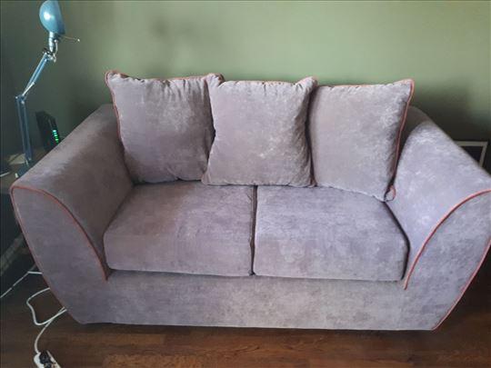 Polovna sofa na razvlacenje