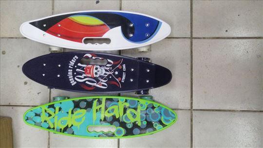 Skejtboard skejt jak skejt sa svetlecim tockovima