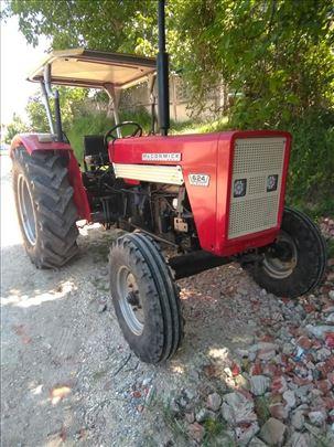 Traktor Internacional 624