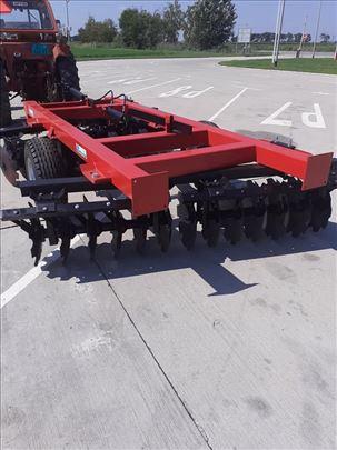 Nove poljoprivredne mašine
