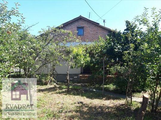 Kuća 81 m², 3,27 ari, Ub - 37 000 €