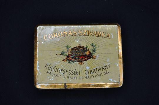 Stare kutije za cigarete od lima iz prošlog veka