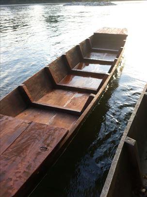Drveni čamac za ribolov na prodaju