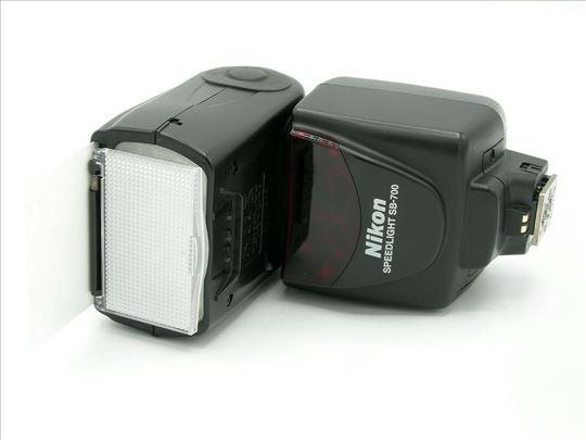 Nikon SB-700 blic - kao nov