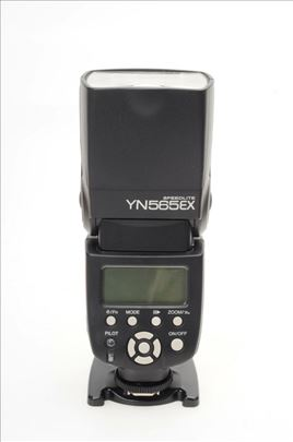 Yongnuo YN565 za Canon + 4 punjive baterije