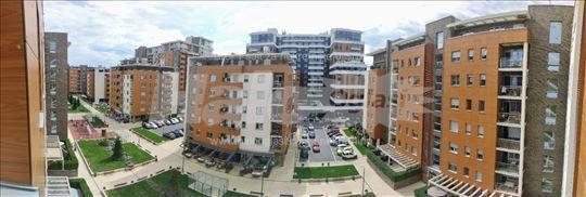 Novi Beograd - A Blok-Četvorosoban-Dva garažna mes