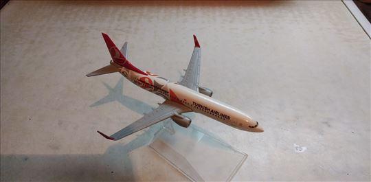 Avion Boing 737-800,razmera 1:250(16 cm.) neorigin