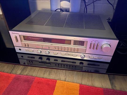 Technics Quartz am/fm digital synthesizer