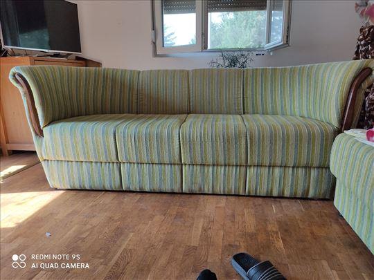 Sofa ,veoma ocuvana,