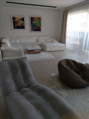 Lux kuca 5.0-326kv,dvoriste 2A-plac,garaza