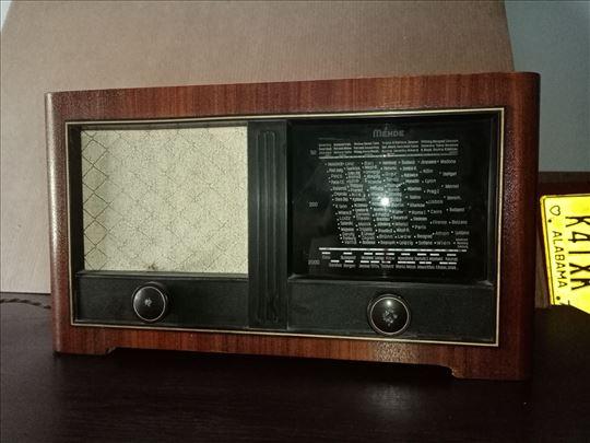 Mende MS195W stari radio iz 1939. godine