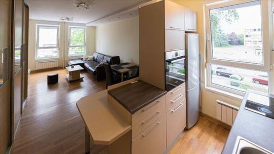 Belvill, 45 m2,lep, odlična pozicija, mesečno