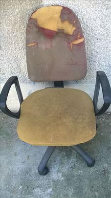 Kancelarijska stolica ispravno podizanje, osteceno