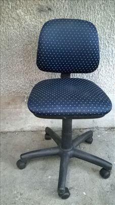 Kancelarijska stolica manja sa gasnim podizanjem
