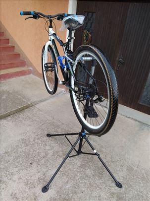 Stalak za servisiranje , popravku bicikala