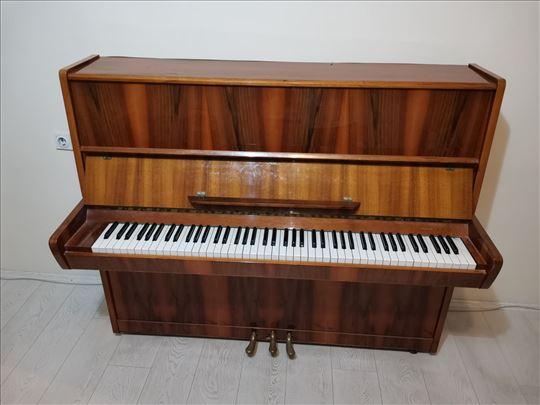 Pianino Tchaika USSR, Novi Sad