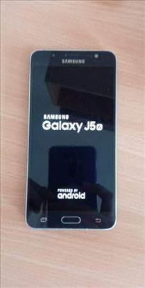 Prodajem polovan Samsung Galaxy J5
