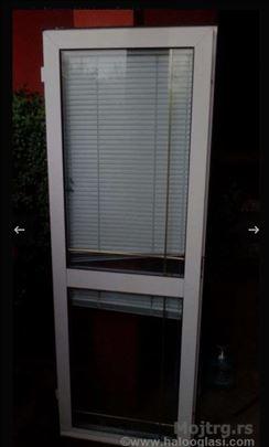 Prodajem polovna alu balkonska vrata i prozor