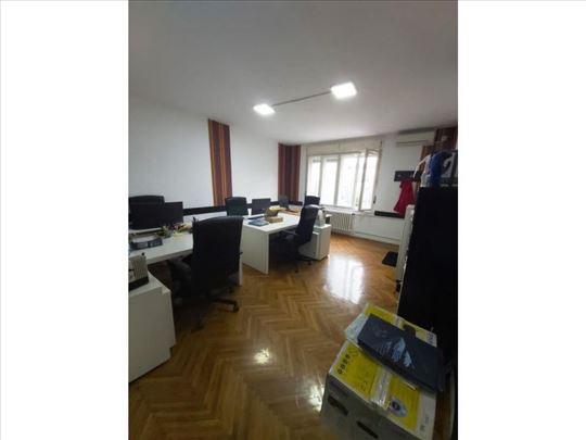 Poslovni prostor, 63 m2, Slavija