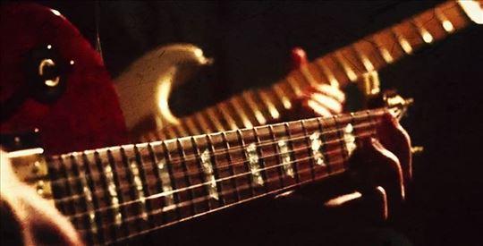 Akustična svirka - dve gitare