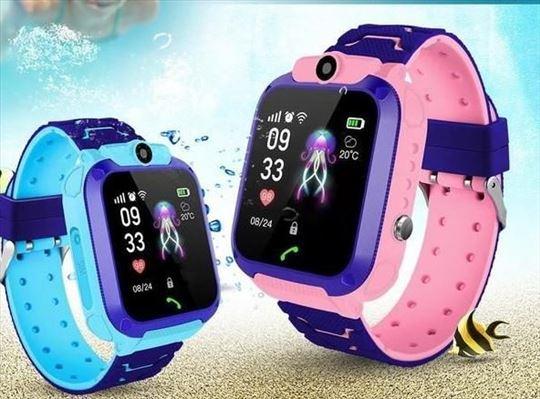 Smart sat deciji pametni sat telefon Q12 Plavi i R