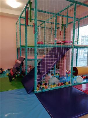 Dečija igraonica (lavirint)