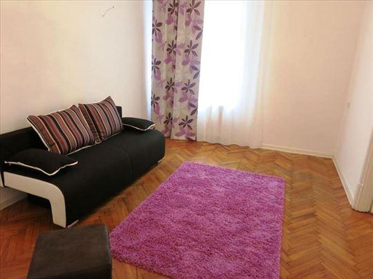 Salonski stan u blizini Knez Mihailove