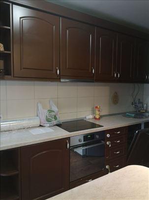 Ugradna kuhinja sa svim elementima