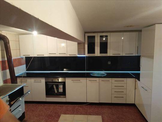 Kuhinje i nameštaj po meri