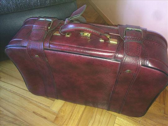 Kozni kofer borde boje, AKCIJA 6000