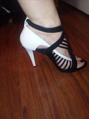 Atraktivne sandale Calvin Claine