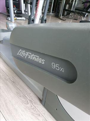Life Fitness 95Xi Cross Trainer - Eliptika