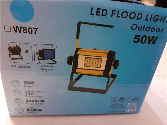 Prenosni reflektor snage 50 vati sa baterijama lij