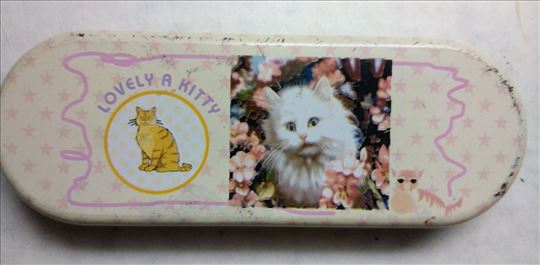 Pernica Kitty metal 20 x 7 cm. polovna