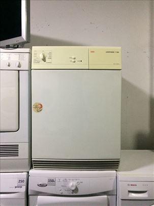 AEG mašina za sušenje veša 12 meseci garancija