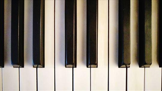 Online časovi klavira - prof. 40 godina iskustva