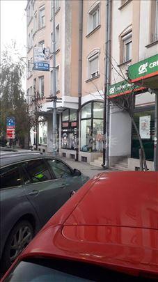 Izdajem lokal Novosadska br.15